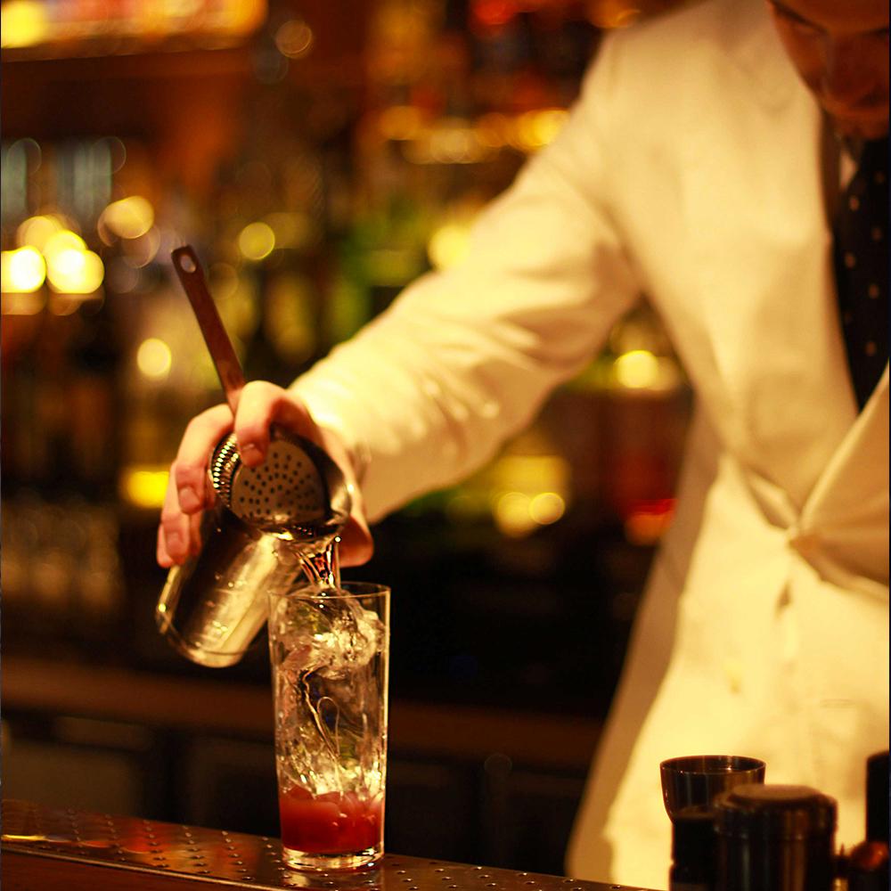 Préparation L'Officine Bar à cocktails Grand Hôtel-Dieu